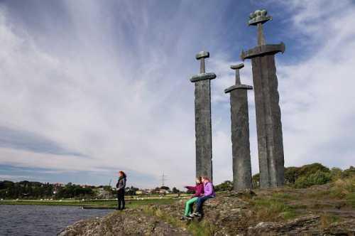 памятник виктору цою появится в питере не позднее 31 августа 2019